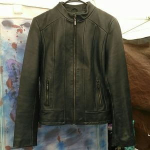 Kenneth Cole Reaction Womans Fitted Leather Jacket
